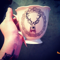 peterpancollarsandmattelipstick:  I want a mug just like this. xo