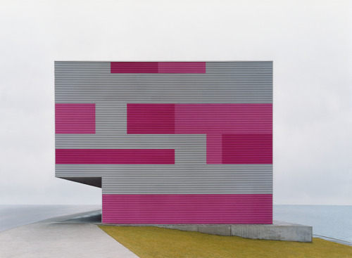 Grau-magenta, from the Sachliches series by Josef Schulz, 2007