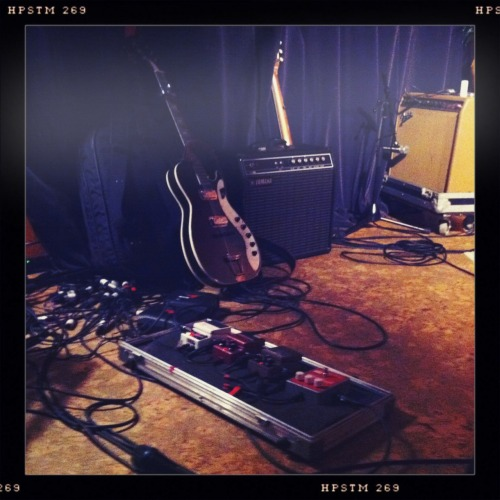 Afie Jurvanen's (Bahamas) pedalboard Submitted by: themountainsandthetrees