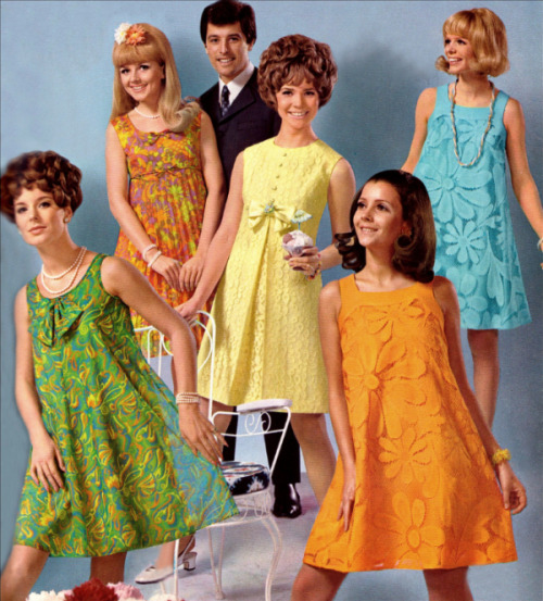 hollyhocksandtulips:  Cocktail dresses, 1968  aahhh such cute dresses and hair!