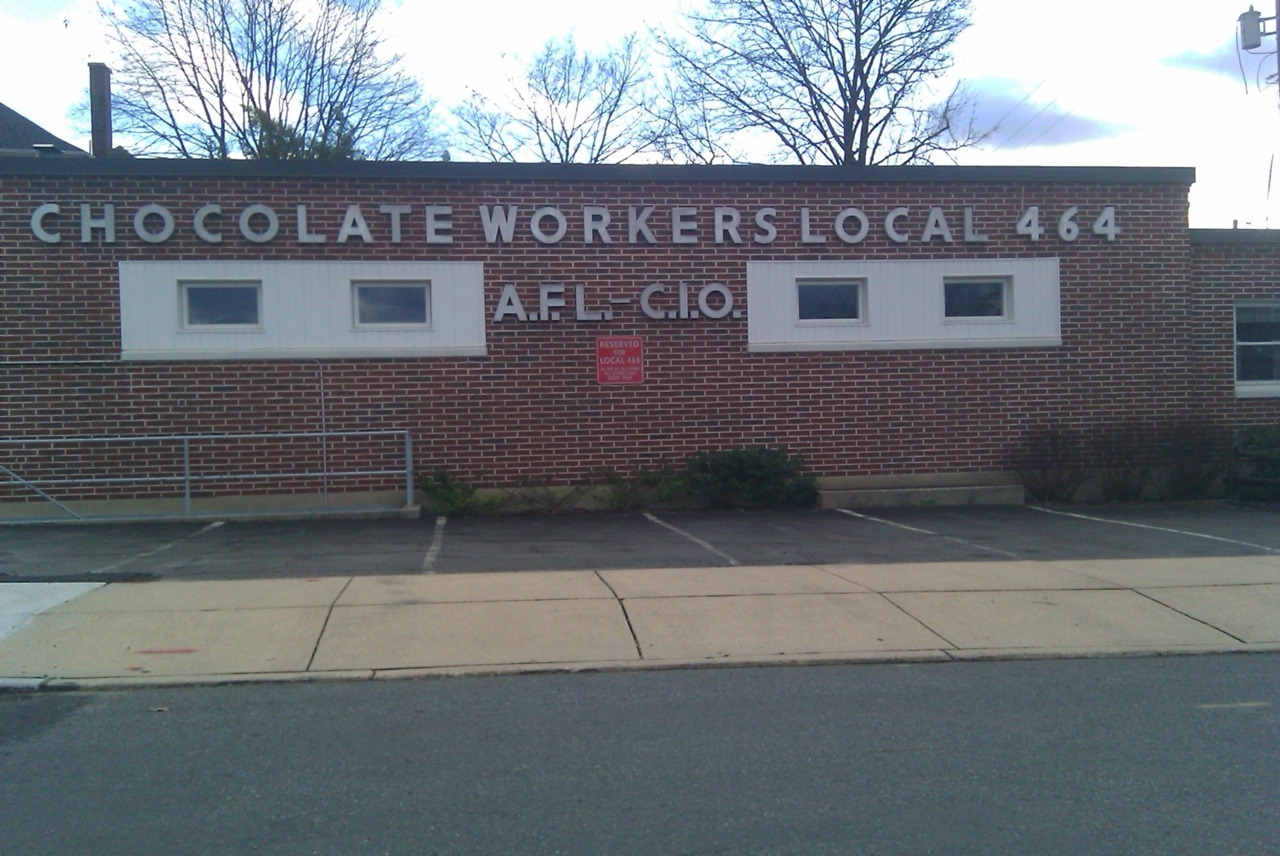 Now that's a strong union.  (in Hershey, Pa.)