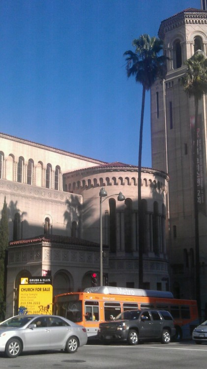Who wants to buy a church in Los Angeles?