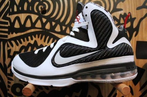 "Newly Released: Nike LeBron 9 ""Freegums"" #teamlebron @kingjames"