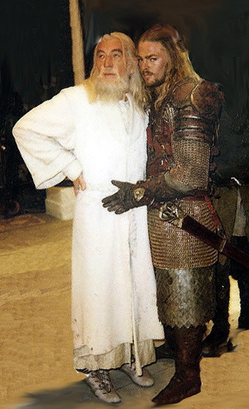 gingerhaze:  Middle Earth prom photos?  This is the greatest thing I have EVER seen.