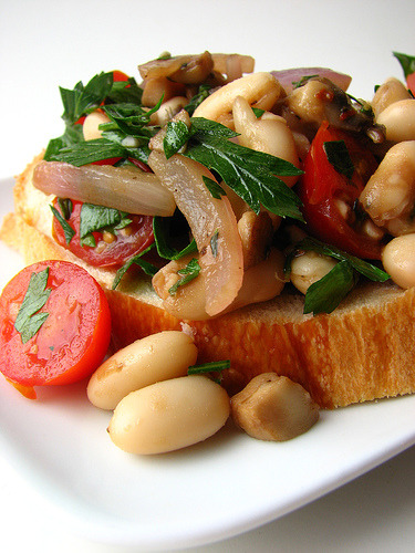 Warm Cannellini Bean Bruschetta — Gormaya Apps for Cooks: Recipe Timer, Substitutions and Conversions for Cooking