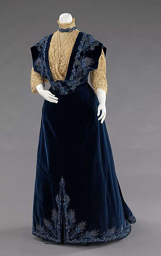oldrags:  Evening dress by House of Worth, 1898 France, the Met Museum
