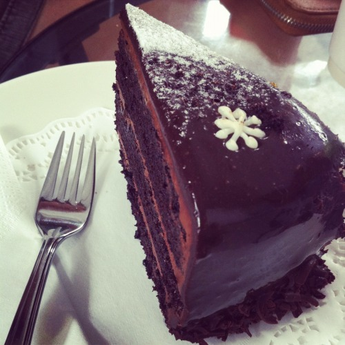 Dark Chocolate Cake from Loysel Toy