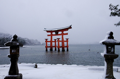 Snowy Miyajima Torii [Worldheritage] (by orihashi) The Torii gate at Miyajima is one of the most famous places in Japan.