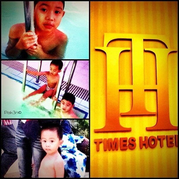 Cousins swimming @ TH | #brunei #brunika #hotel #timesquare #swimming #cousin #mokties #pak3n  (Taken with instagram)
