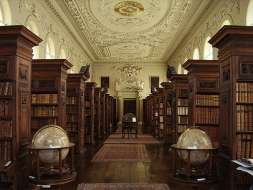 miyusav:  Queen's College Library, Oxford University, Oxford, UK.