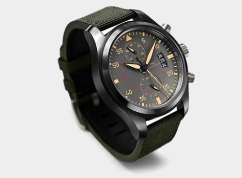 Here's the new IWC Top Gun Miramar chronograph with a ceramic case and using an in-house chronograph movement with a power reserve of an incredible 168 hours.