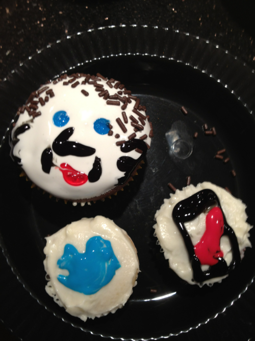 Last night the party I went to had political cupcakes as one of the treats. We were invited to make our own. I made an Anthony Weiner.