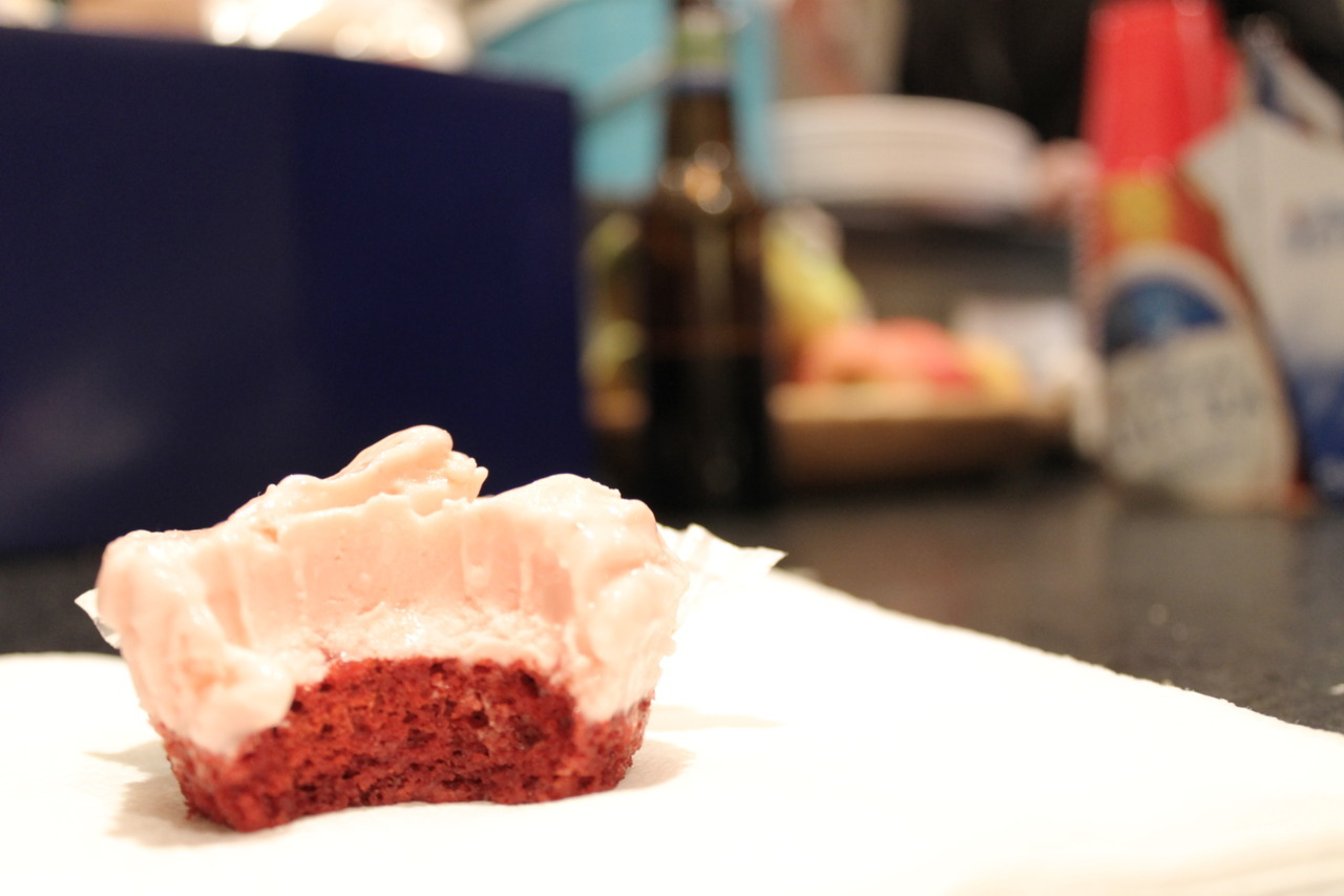 vegan ice cream cheese red-hot red velvet cupcake! i die.