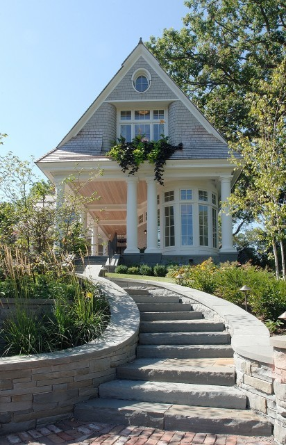 A charming Cape Cod style shingle-sided cottage (via TEA2 Architects)