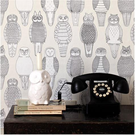 itsowlgood:  I need this wallpaper for my room!!