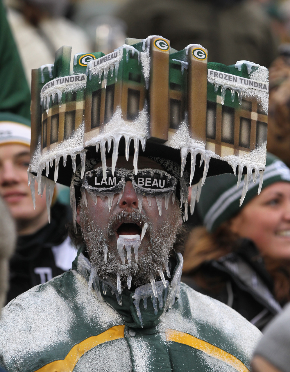 Frozen tundraWith Aaron Rodgers resting up for the playoffs, Matt Flynn had to be ready to run the Green Bay Packers offence.Was he ever.With Rodgers bundled up on the sideline in cold and windy conditions at Lambeau Field, Flynn set franchise records with 480 yards passing and six touchdowns—the final one to Jermichael Finley with 1:10 left, giving the Packers a 45-41 victory over the Detroit Lions in a wild regular-season finale Sunday.Photo: Jonathan Daniel/Getty Images