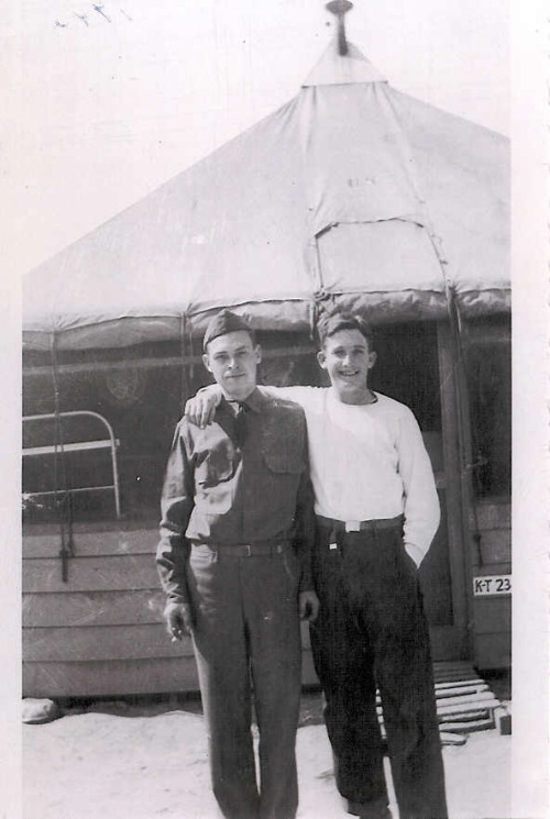 rossmcbitchface:  Donald Hoobler with an unidentified soldier.