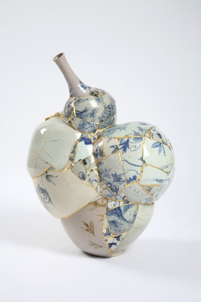 "conflictingheart:  Yee Sookyung ""When the Japanese repair broken objects, they aggrandize the damage by filling the cracks with gold. They believe that when something has suffered damage and has a history, it becomes more beautiful."" - Barbara Bloom"