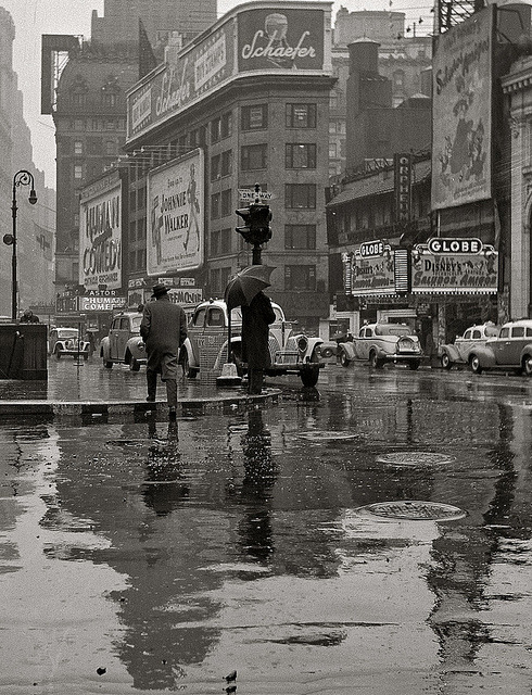 Times Square on a rainy day, 1942