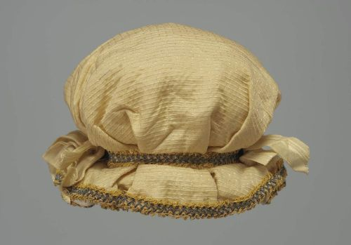 omgthatdress:  Hat 1800-1805 The Museum of Fine Arts, Boston  Oh, I'm so making this…