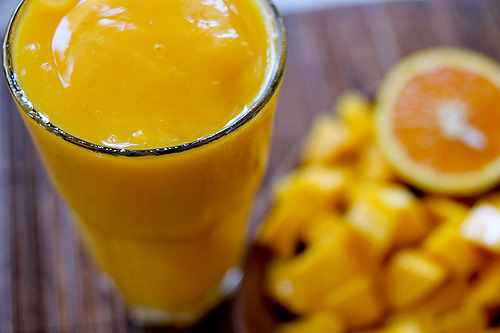 ffoodd:  Mango orange smoothie (by Foodyear)