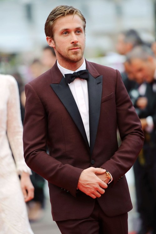 stayshie:  empty-soull:  This suit is pretty close to perfection  It is perfection because perfect is wearing it. GOD DAMN RYAN.