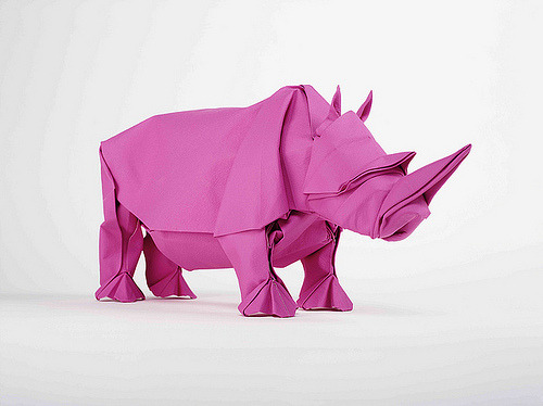 mini-mal-me:  MAGENTA RHINO (by MABONA ORIGAMI)  Just a wee bit fucking awesome
