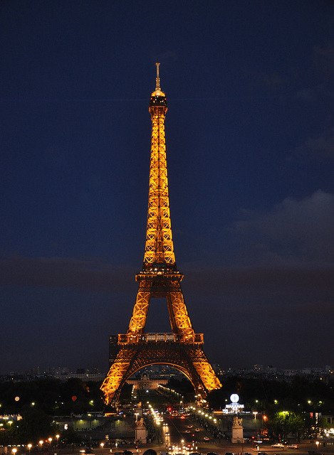 Eiffel Tower - Paris by Oras Al-Kubaisi on Flickr.