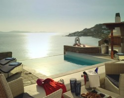 micasaessucasa:  (via Wonderful Mykonos Grand Hotel, Greece)