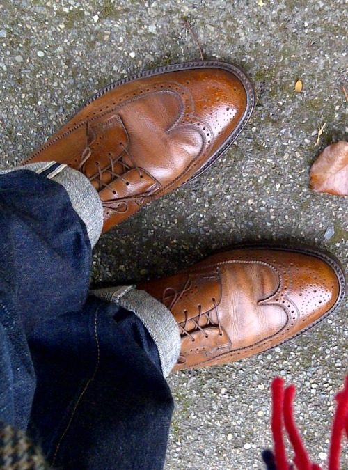 "Today's wheels. Vintage Florsheim Royal Imperial Longwings. Thirfted, with shoetrees, $13. Jawns: Pure Blue Japan XX-005, tapered to an 8"" opening. Purchased a couple of years ago off the old SUFU B+S forum w/ proceeds made from a nice thrifting haul."