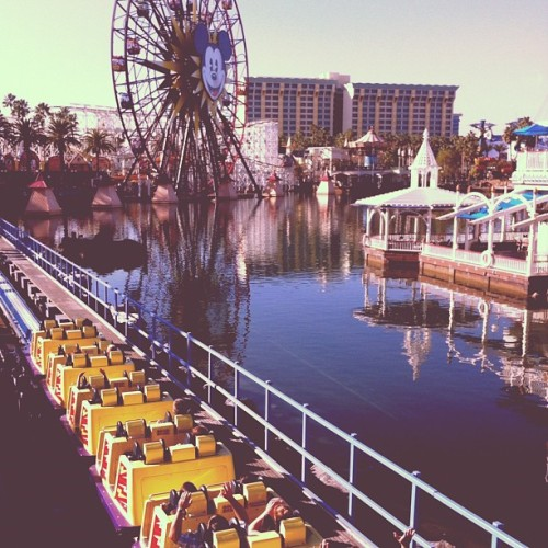 Disnyland California Adventure with Alicia.   (Taken with Instagram at Paradise Pier)