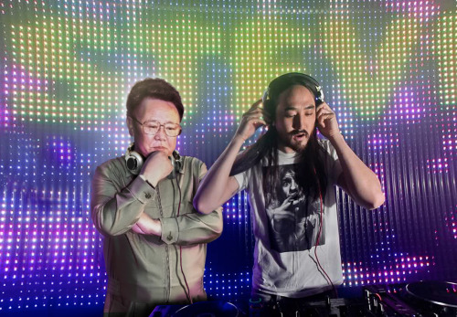 droppin' with steve aoki
