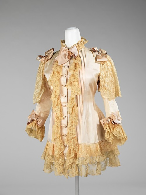 omgthatdress:  Dressing Jacket 1885-1890 The Metropolitan Museum of Art