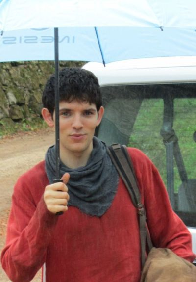 merlin-wanderlust:  dragonlordofcamelot:    Colin has an umbrella, your argument is invalid!