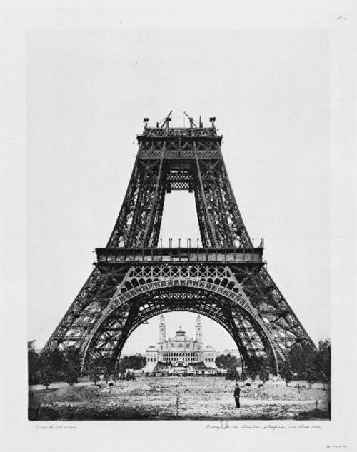 Construction of the Eiffel Tower via solsetur