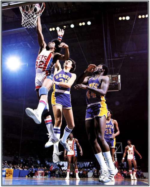 fatshawnkemp:  Dr. J and the Nets vs. the Denver Nuggets Photo: John D. Hanlon