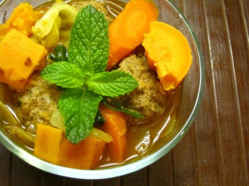 Yum. Paleo-perfect soup.   (via Albondigas Soup | Delightful Taste Buds)
