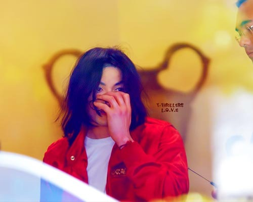 tissaneverland:  Michael? you're so so so silently…….