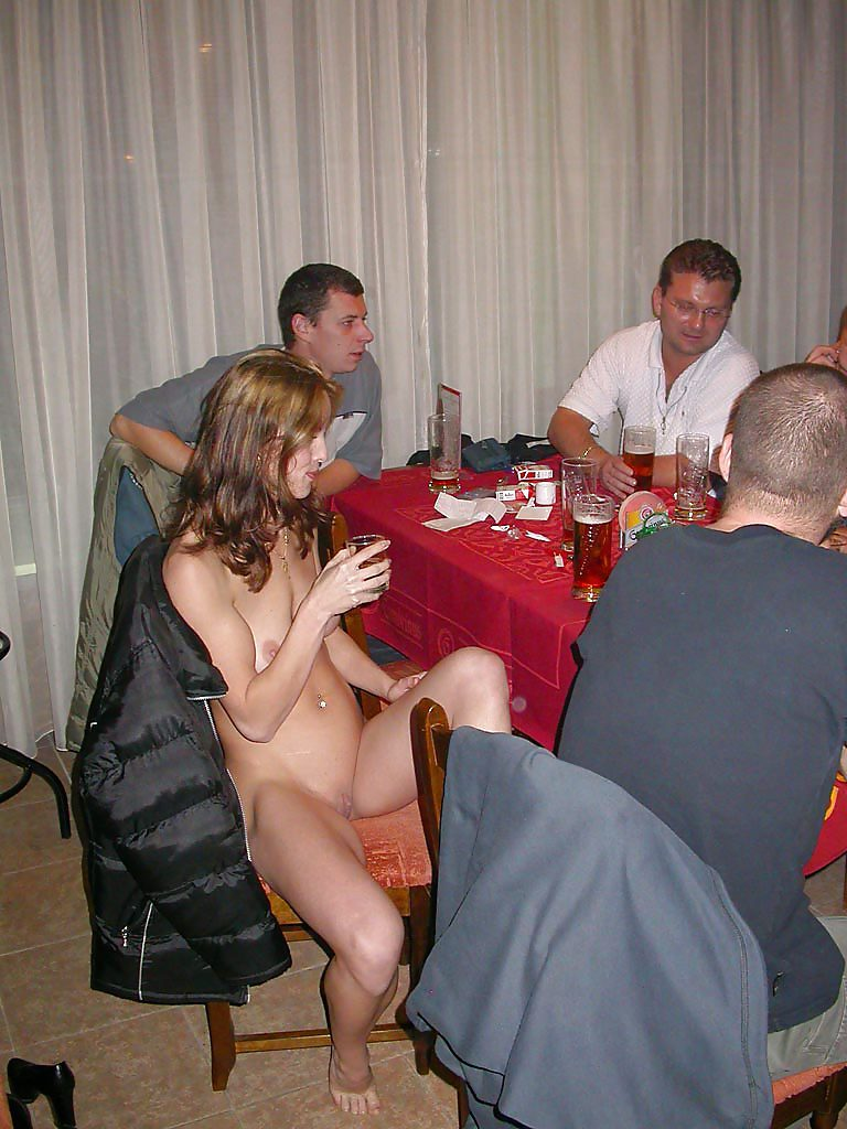 strip poker housewives