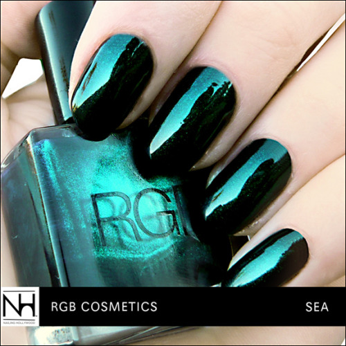 via http://nailinghollywood.tumblr.com/polishgallery