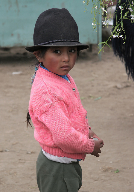 Children in Ecuador 01 by Hideki Naito on Flickr.