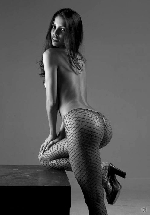 Fishnets get me every time.