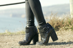 olivia of lust for life in the jay moto boot <3