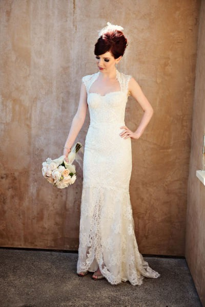 143weddings:  Vintage wedding dress!  want.