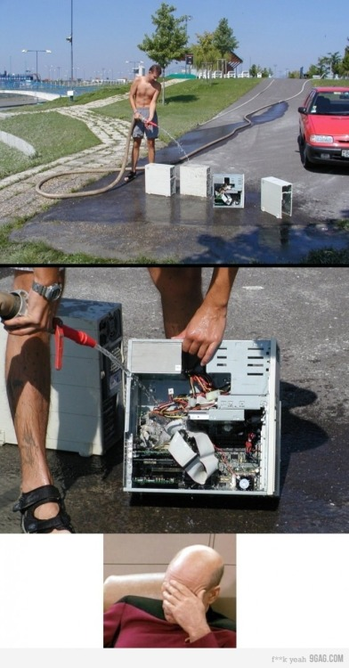 ahayla:  j-rusty:  9gag:  (via 9GAG - Cleaning PC's, you're doing it wrong.)  Bwahahaha  What the fuck!