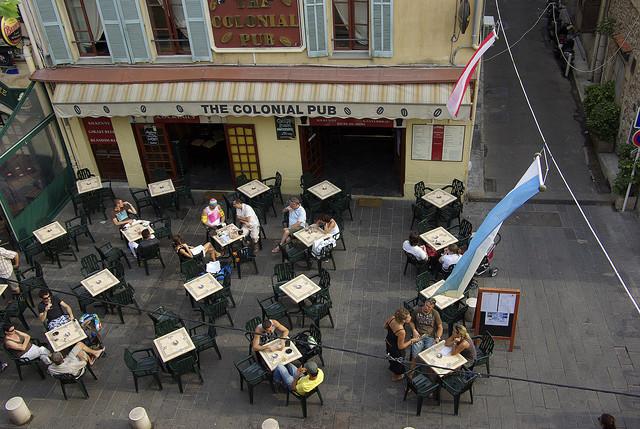 | ♕ | Cafe Bistro em Antibes | por © Enrico Molino | via ysvoice