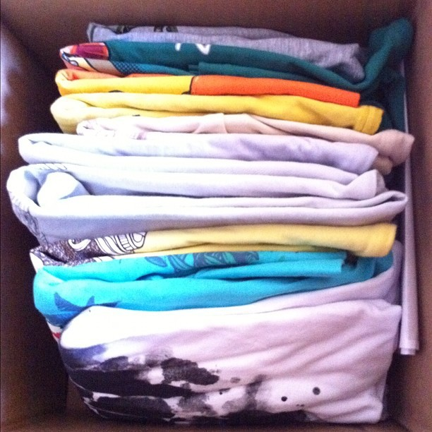 Just arrived!!! #threadless #t-shirt #colours #geek #freak #friki #camisetas #2012 #wear (Taken with instagram)
