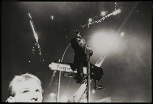 socorrored:  via NPR - Richard Avedon's New Year's Eve, Revisited …it was the first New Year's Eve that Berlin had seen after the fall of the Wall.