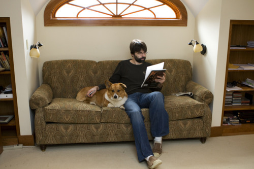 Joe Hill reads (in the company of McMurtry the dog).