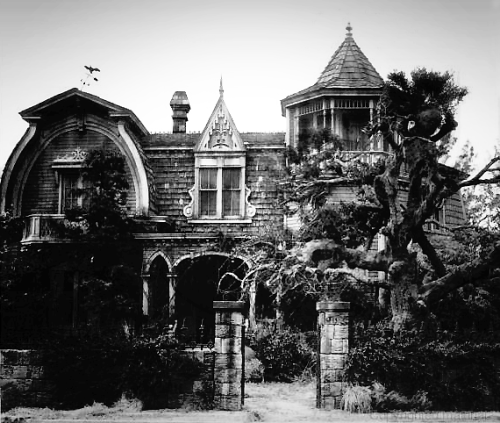 1313 Mockingbird Lane. (The Munsters home)